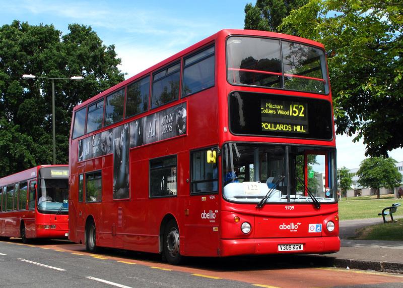 London Bus Routes Route 152 New Malden Fountain