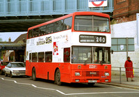 Route 260, Armchair, G365YUR, Golders Green