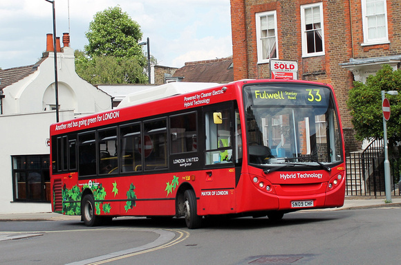 London Bus Routes: Route 33: Fulwell, Stanley Road - Hammersmith &emdash; Route 33, London United RATP, HDE3, SN09CHF, Richmond