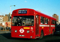 Route 513, London Transport, MBA582, AML582H