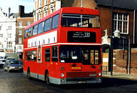 Route 220, London Transport, M933, A933SUL, Hammersmith