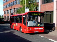 Route 352, Metrobus 147, LT02ZDX, Bromley