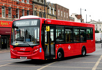 Route R70, Abellio London 8119, YX13EHF, Twickenham