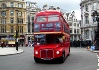 Route 9, First London, RM1627, 627DYE, Trafalgar Square