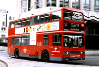 Route 55, London Forest, T431, KYV431X, Tottenham Court Road