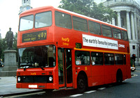 Route N207, First Challenger, LN31, H131FLX, Trafalgar Square