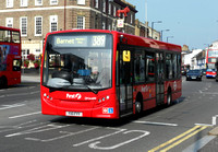 Route 389, First London, DM44199, YX11FYY, Barnet
