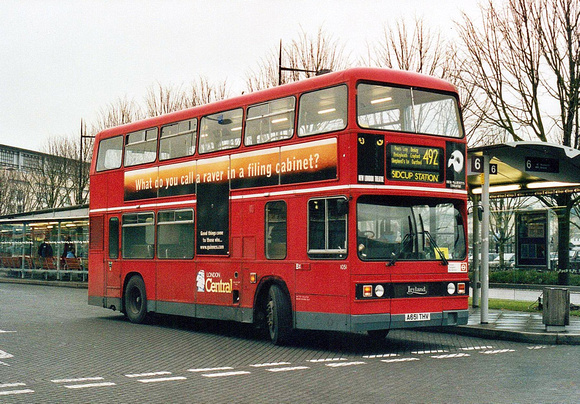 London Bus Routes: Route 492: Bluewater - Sidcup Station &emdash; Route 492, London Central, T1051, A651THV, Bluewater