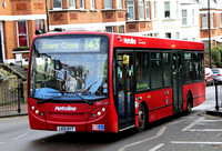 Route 143, Metroline, DE1127, LK10BYT, Highgate Hill