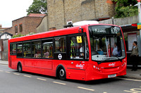 Route R70, Abellio London 8814, YX13EFV, Richmond