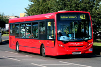 Route 423: Heathrow Teminal 5 - Hounslow, Bus Station