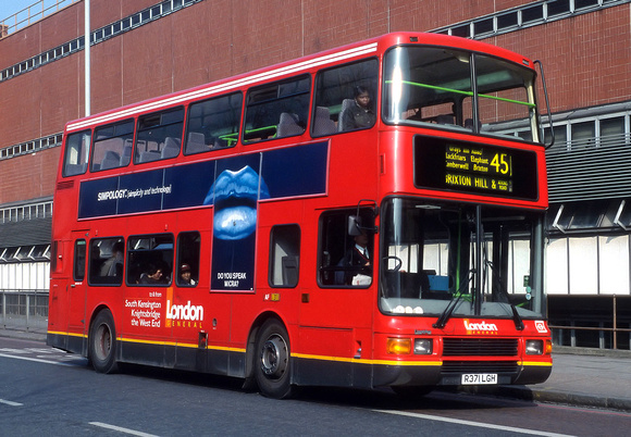 London Bus Routes: Route 45: Clapham Park - King's Cross &emdash; Route 45, London Central, NV171, R371LGH, Elephant & Castle