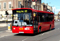 Route 389, First London, DM41777, X512HLR, Barnet