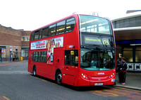 Route 125, Arriva London, T36, LJ08CUC, Southgate