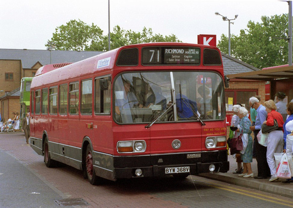 London Bus Routes: Route 71: Chessington - Kingston &emdash; Route 71, London Transport, LS368, BYW368V, Kingston
