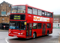Route 142, Arriva The Shires 6016, KL52CXH, Edgware