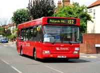 Route 152, Travel London 8477, LF06YRN, Pollards Hill