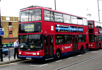 Route 330, Stagecoach London 17250, X372NNO, Canning Town