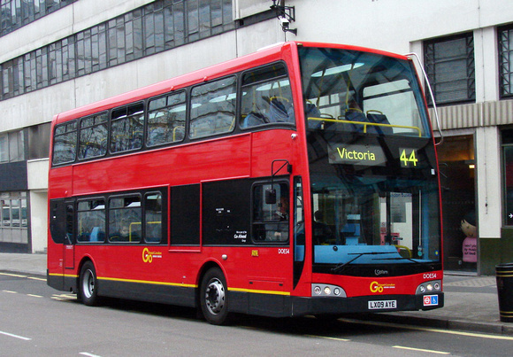 London Bus Routes: Route 44: Tooting Station - Victoria &emdash; Route 44, Go Ahead London, DOE54, LX09AYE, Victoria