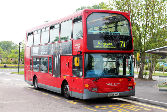 London Bus Routes: Route 71: Chessington - Kingston &emdash; Route 71, London United RATP, SLE19, YN55NHO