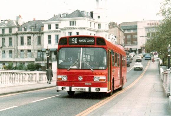 London Bus Routes: Route 90: Kew Gardens Station - Staines &emdash; Route 90, London Transport, LS138, THX138S,Richmond Bridge