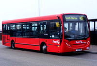 Route 487, First London, DML44046, YX58FPD, Willesden Junction