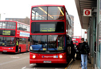 Route 541, Stagecoach London 17586, LV52HFU, Canning Town