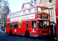 Route N72, London Central, T1081, A61THX, Trafalgar Square