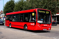 Route E9, First London, DML44122, YX09FKS
