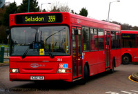 Route 359, Metrobus 332, W332VGX, Addington Village