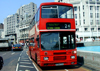 Route 24, Arriva London 136, F136PHM, Trafalgar Square