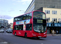 Route 128, East Thames Buses, VWL23, LF52THG