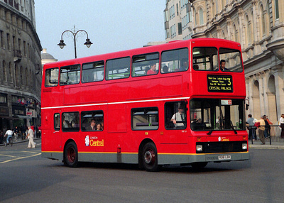 Route 3, London Central, NV61, R261LGH, Trafalgar Square