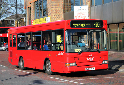 Route H20, Abellio London 8033, BU05HFN, Hounslow