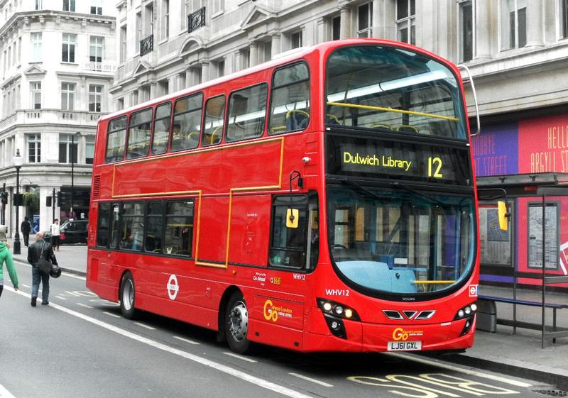 File:London Transport buses RT4139 (LUC 488), RT2293 (KGU ... |London Transit Buses