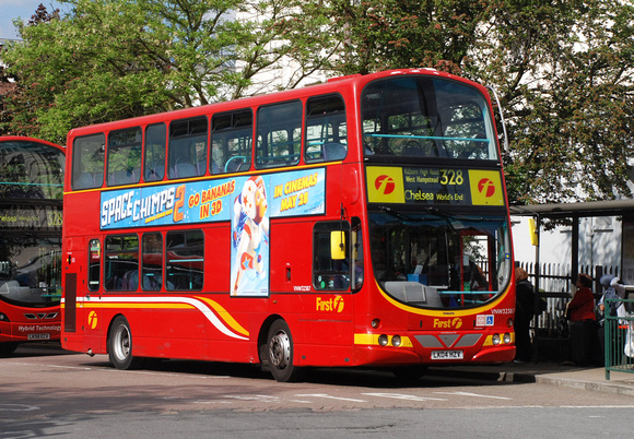 Route 328, First London, VNW32387, LK04HZV, Golders Green