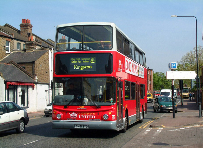 London bus routes transdev london united london for Bus timetable perth 85
