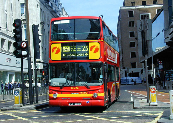 Route 25 First London Tal942 W942ull Oxford Street