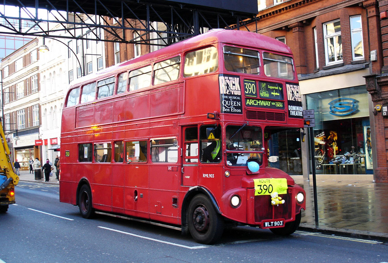 London Bus Routes Route 390 Archway Victoria