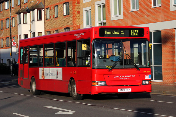 Route H22, London United RATP, DPS590, SN51TDZ, Hounslow