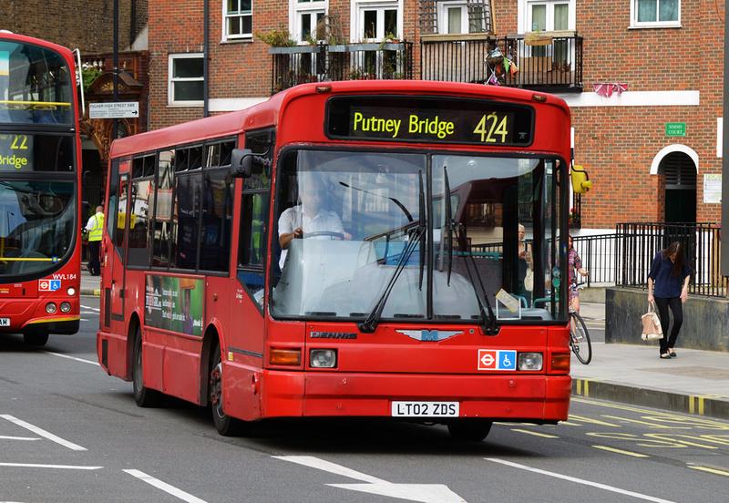 London Bus Routes Route 424 Fulham Craven Cottage