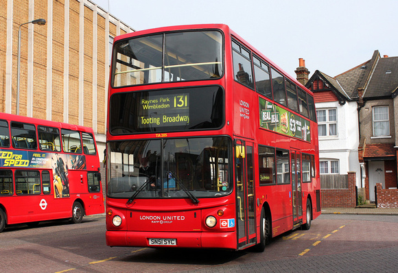 Route 131, London United RATP, TA205, SN51SYC, Tooting Broadway