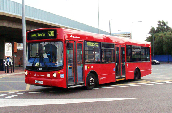Route 300, East London ELBG 34269, Y269FJN, Canning Town