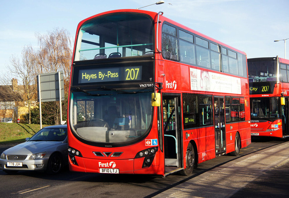 London Bus Routes  Route 207 Hayes By-Pass - White City -9852