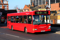 Route H22: Hounslow, Bell Corner - Richmond, Manor Circus