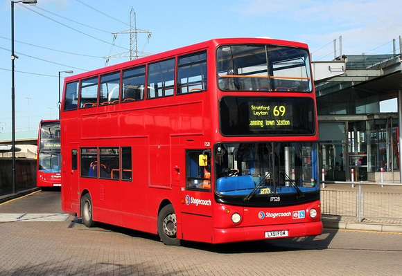 Route 69, Stagecoach London 17528, LX51FOM, Canning Town