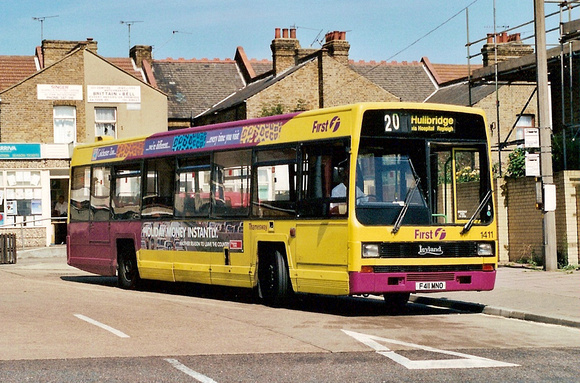 first bus times 71 essex