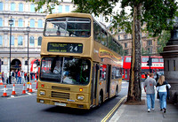 Route 24, Arriva London 157, H157XYU, Trafalgar Square