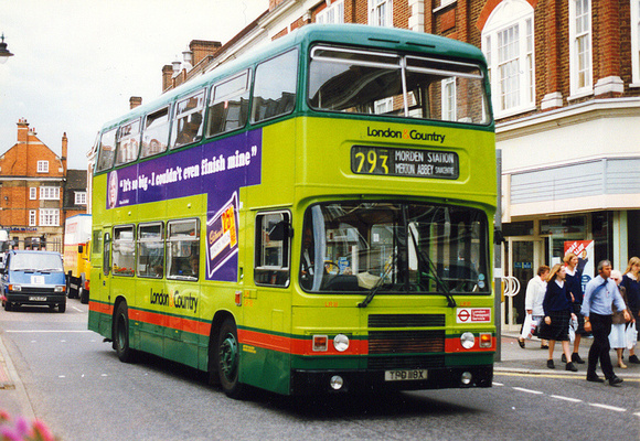 London Bus Routes: Route 293: Epsom Hospital - Morden &emdash; Route 293, London & Country, TPD118X, Epsom