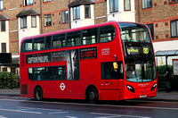 Route 120, London United RATP, ADE17, YX12FNZ, Hounslow
